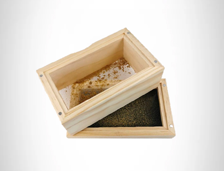 DRY SIFT WITH A SCREEN TO GET KIEF